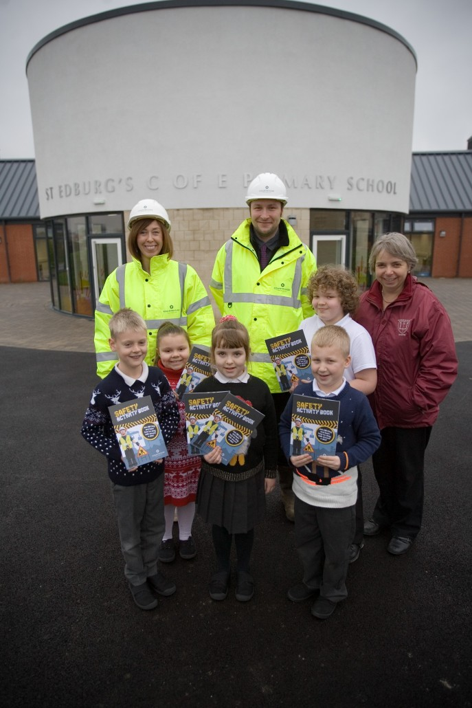 Health & Safety briefing for Key Stage 2 children by Countryside Properties - St EdburgÕs C of E School - Bicester - 15/12/15 Pupils, Thomas, Kacey, Catherine, Alfie and Jake pictured with Michelle Shani and Scott Young along with Head Teachr Margarette Kunzer