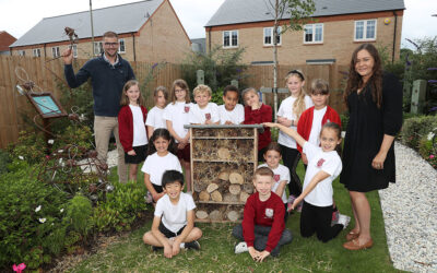 A hive of activity on Bicester development gets local students buzzing about biodiversity